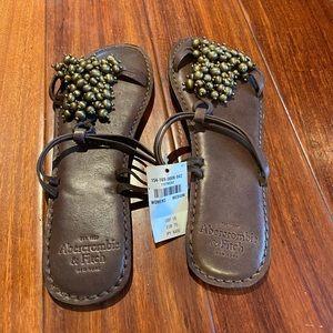Abercrombie & Fitch women flip-flops size Medium